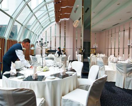 Silvester 2021 im eleganten Hotel Maritim in München mit Ausflug an den Starnberger See